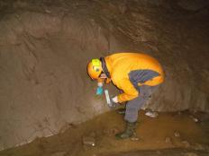 Postojnska jama - vzorčevanje recentnih fluvialnih sedimentov.
